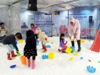 Keceriaan Winter Wonderland di PIM
