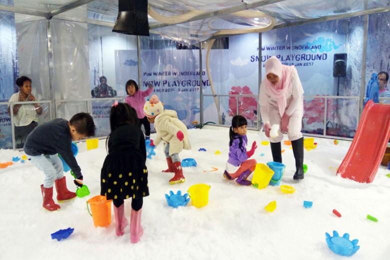 Keceriaan Winter Wonderland di PIM
