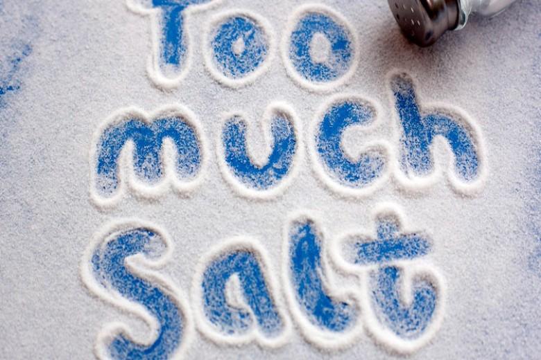 Tanda Anda Kelebihan Garam