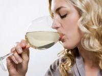 Minuman Beralkohol Tingkatkan Risiko Melanoma