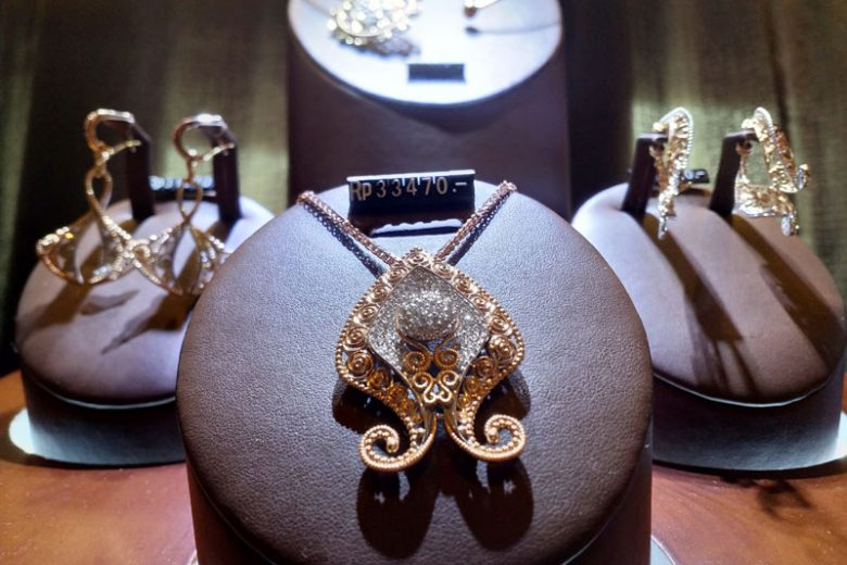 Sentuhan Modern Perhiasan Nusantara