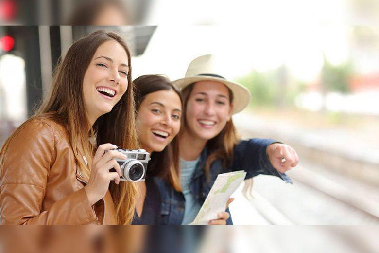5 Alasan Wisata dengan Teman Lebih Seru