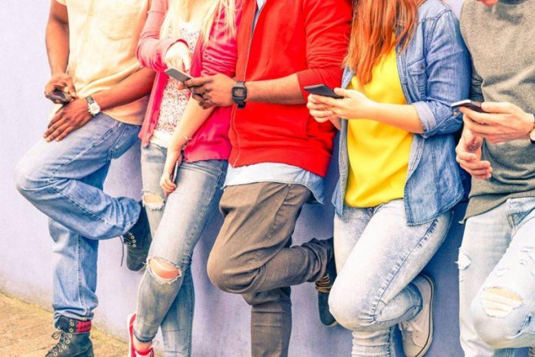 Milenial Rentan Serangan Digital