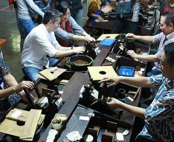 Jalin Silaturahmi dengan Lomba Giling Tembakau
