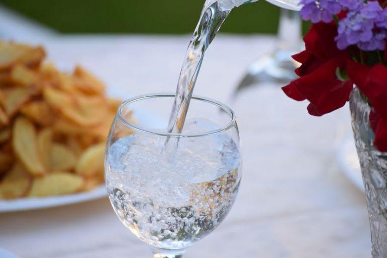 Pentingnya Air Mineral Saat Puasa