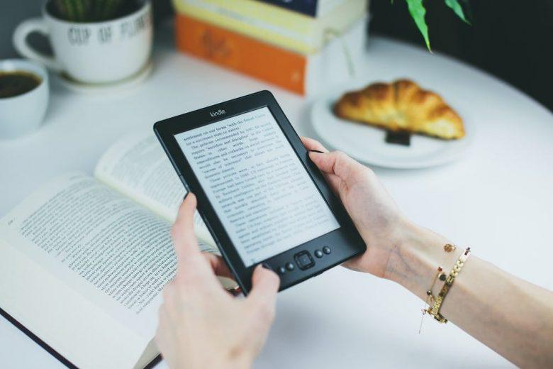 3 Cara Membaca yang Baik di Smartphone
