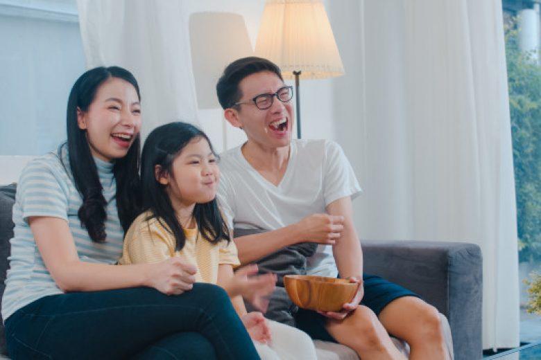 Kriteria Menonton Televisi Bagi Anak