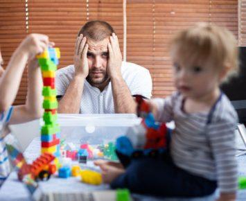 Gejala Trauma Suami Pasca-Persalinan