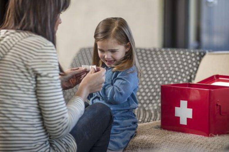 Pentingnya First Aid Box di Rumah Anda